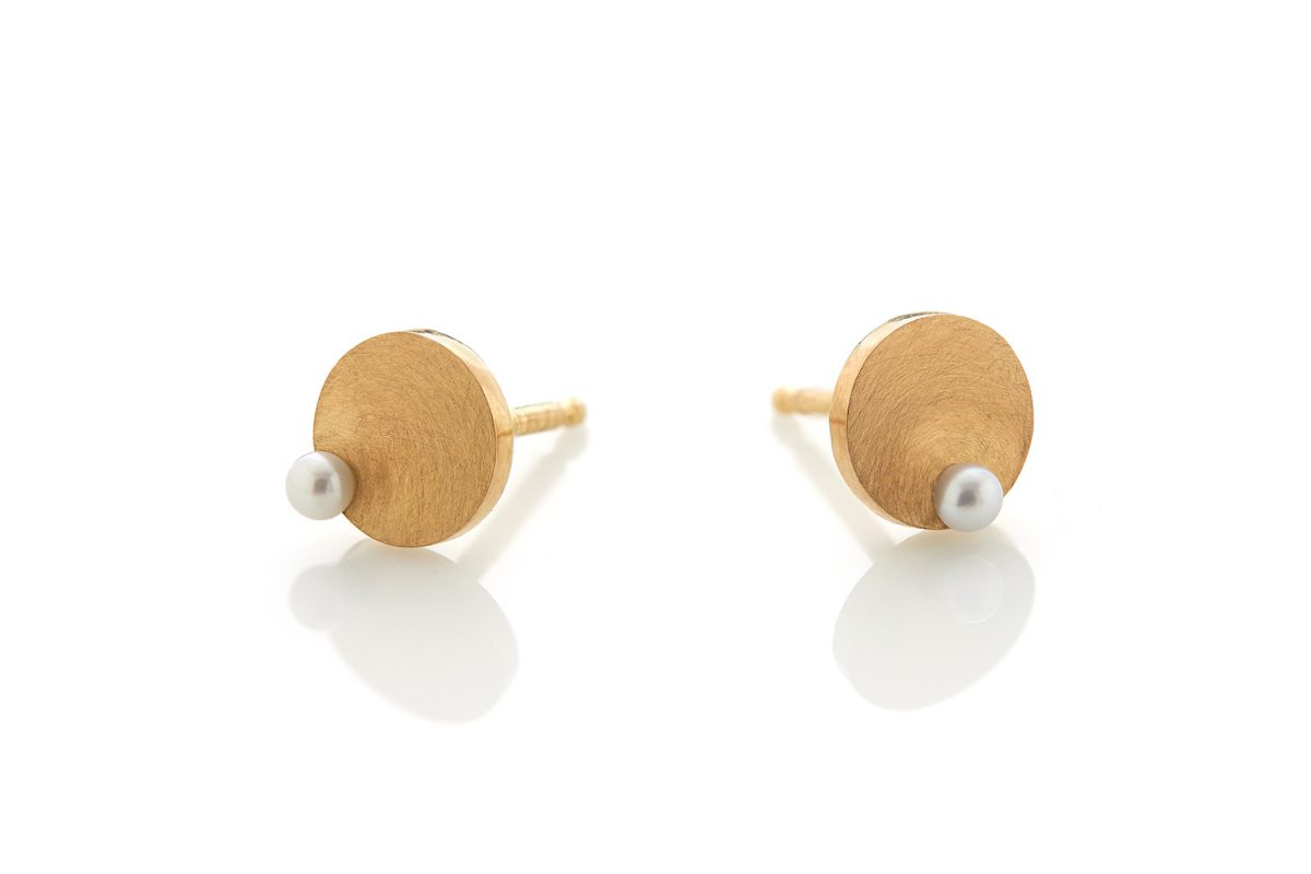 earrings-pearls