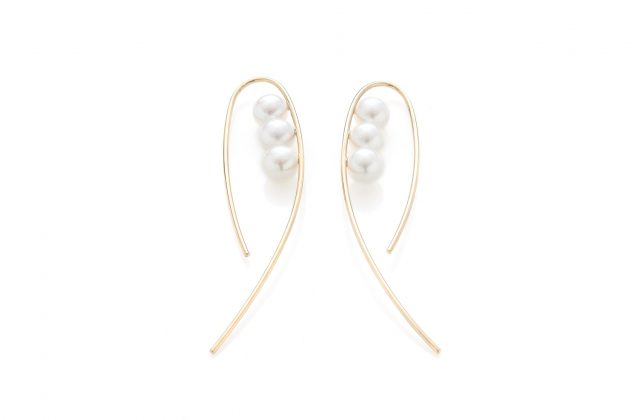 earrings-pearls-thin